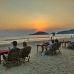 @instagram: Una cena guardano il mare ???? #goa #palolem #onthebeach #travelpicsdaily #mytravelgram #horizon #sunsetporn #igersgoa #india #indian #golden #tramonti #explore