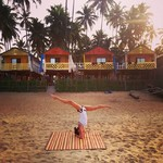 @instagram: #goa #southgoa #palolem #palolembeach #india #poledance #beach #beachpoledance #morning #morningstretching #beautyofnature????????