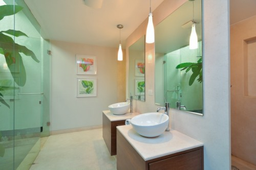 Luxury spacious bathroom